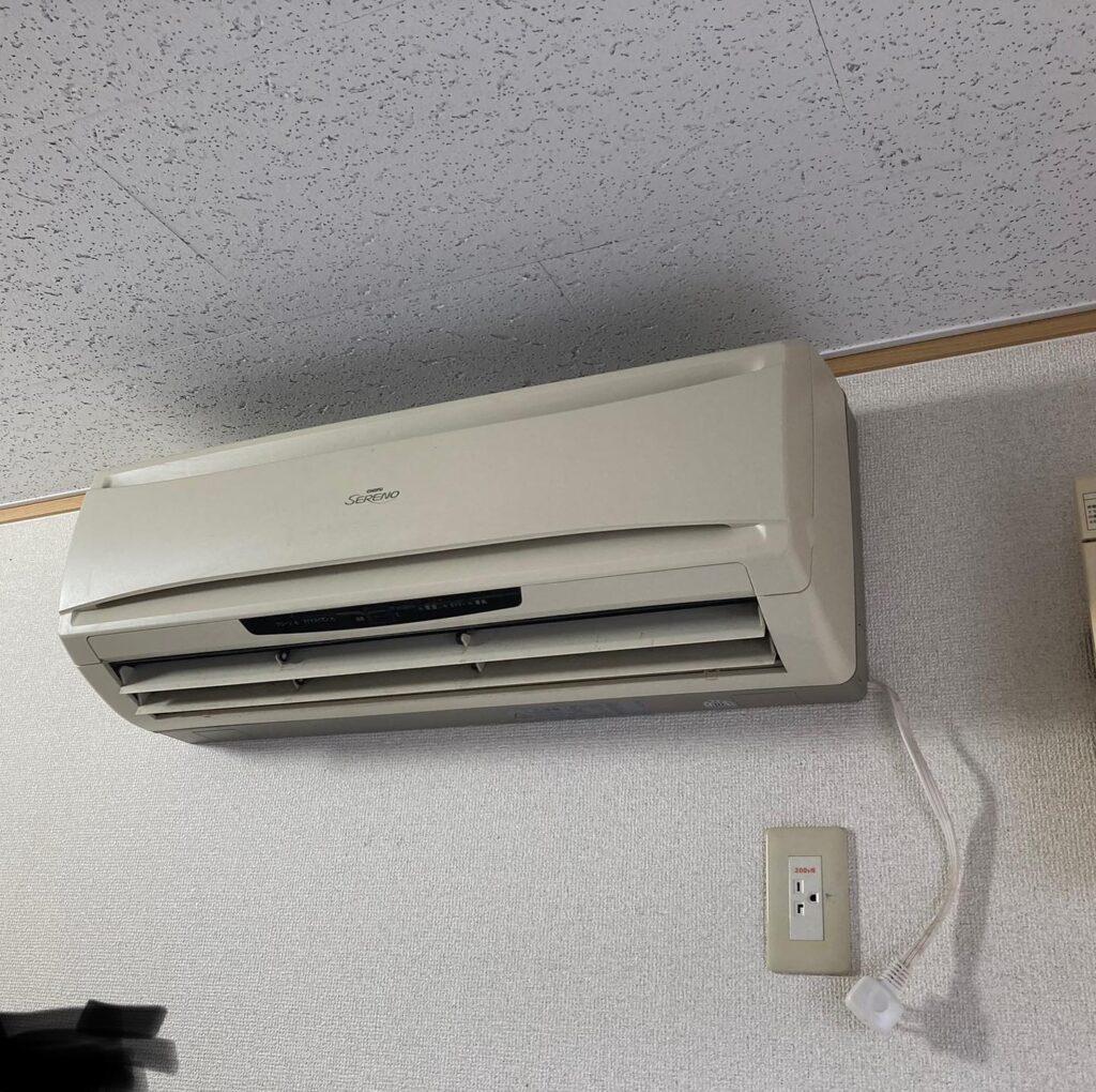 エアコン工事と照明を増やす工事